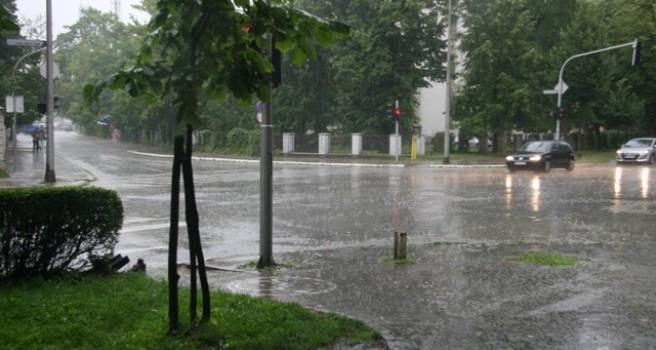Kiša protekle noći nije prouzrokovala nove poplave i klizišta – Zbog padavina porast vodostaja – Voda se izlila u Laktašima