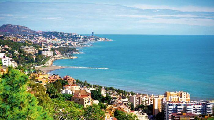 Iseo je gradić na južnom obali istoimenog jezera na sjeveru Italije.